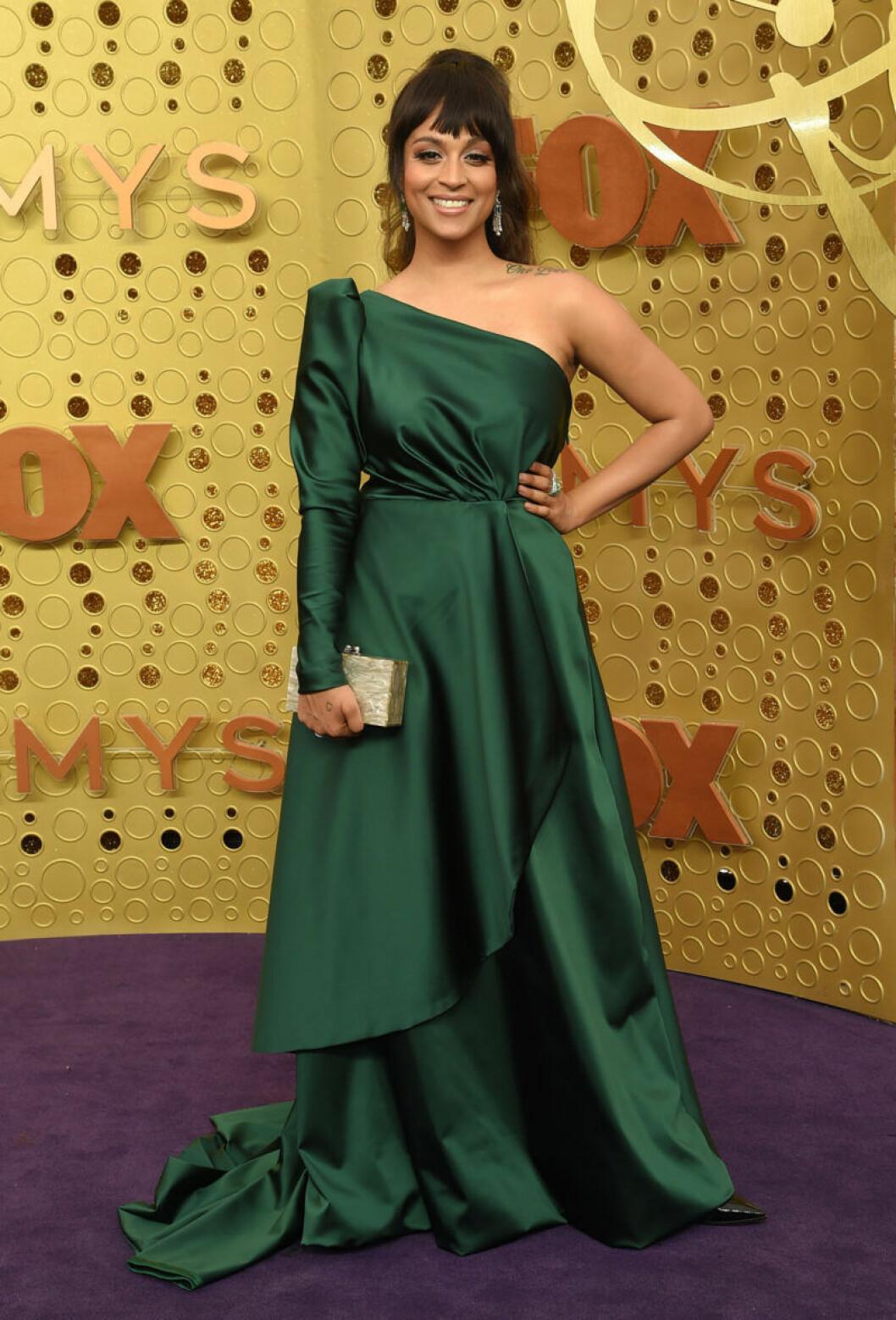 Lilly Singh på röda mattan på Emmy Awards 2019