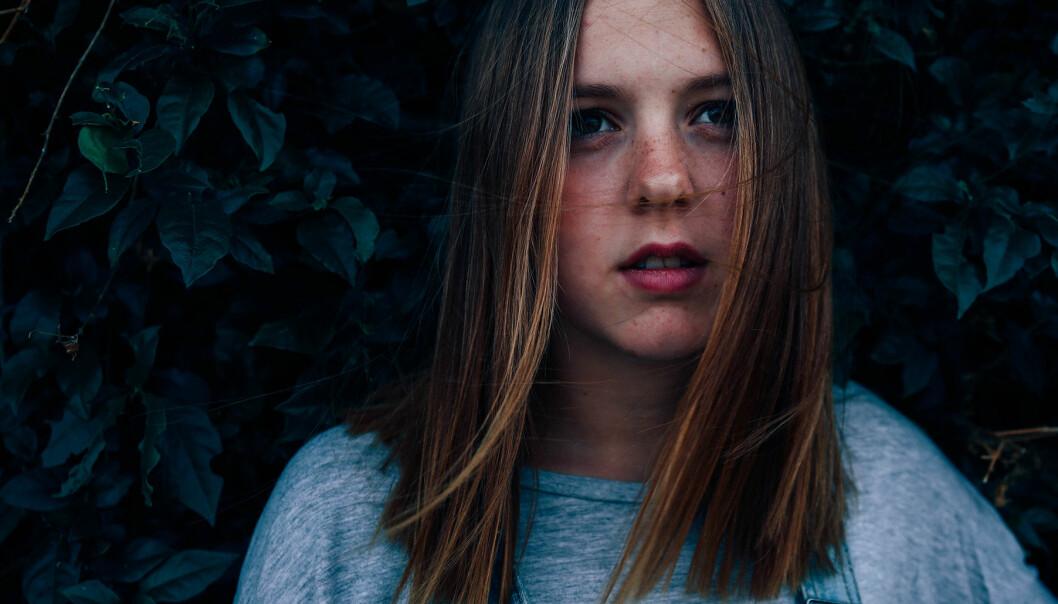 Ledsen och ensam tonåring