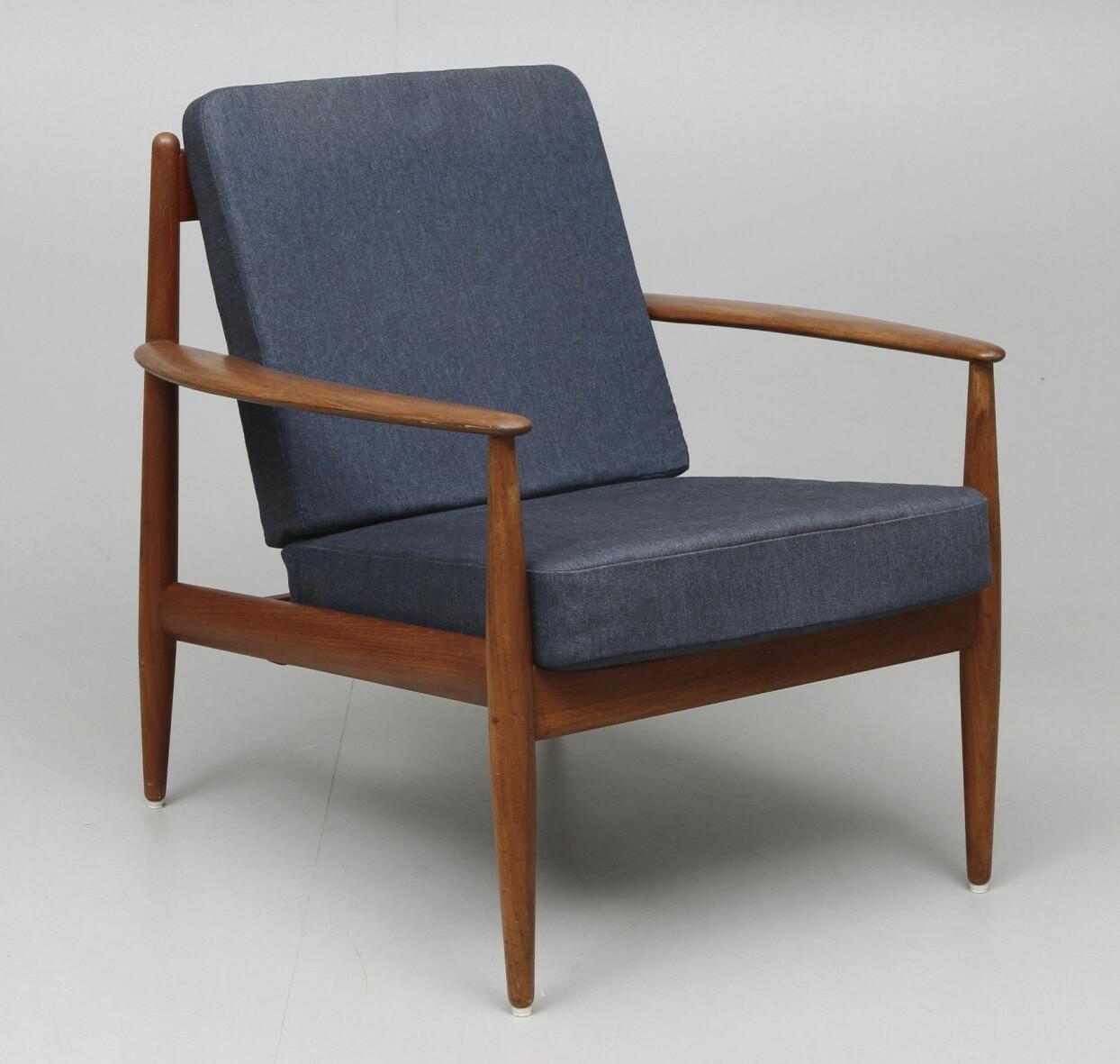 60-talsstol av Grete Jalk, tillverkad av France & Søn.