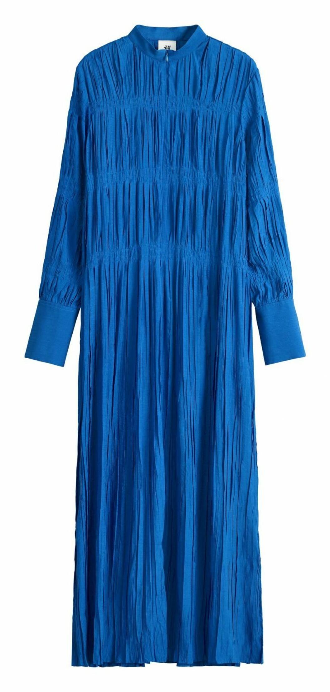 Kornblå långklänning från H&M Studio SS20