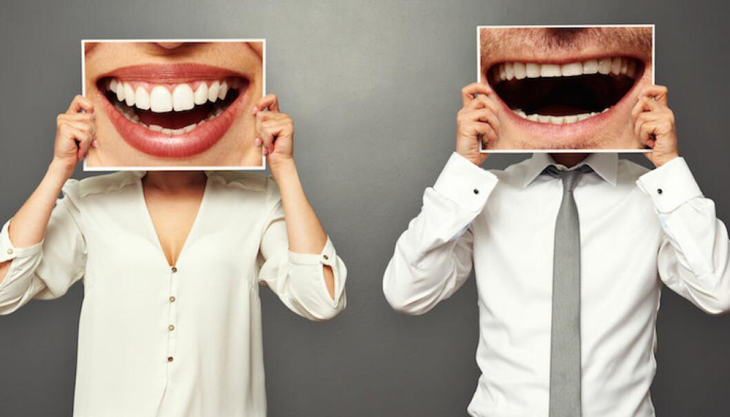 Man och kvinna som skrattar.