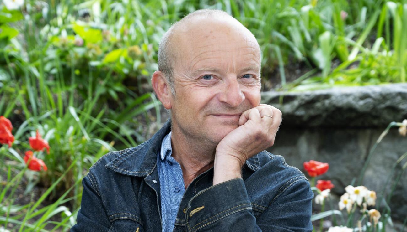 Jonas Gardell är aktuell med den historiska romanen Ett lyckligare år, om homosexuell frigörelse.