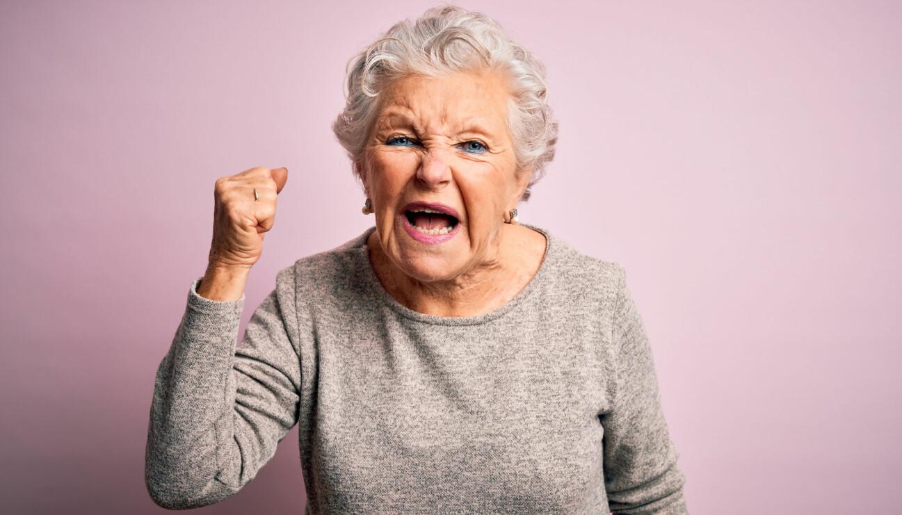En kvinna som är till synes äldre än sin faktiska ålder på grund av coronapandemin.