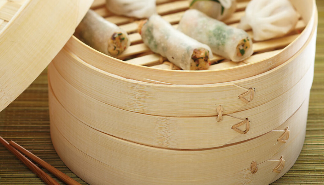 Ångkokare i bambu.