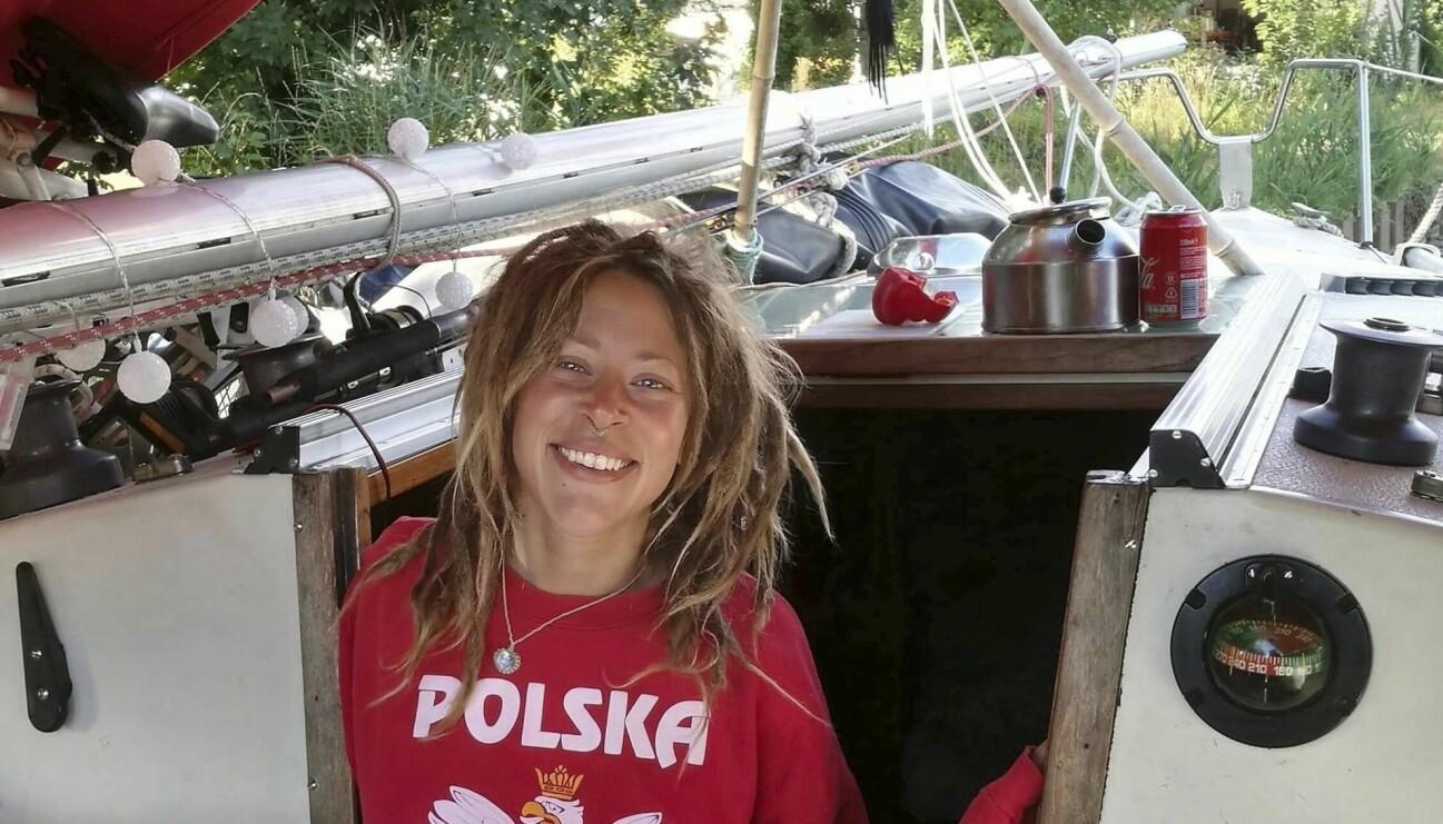 Frisören och hårstylisten Anja Jönsson har jobbat med Melodifestivalen men när hon höll på att bli utbränd bestämde hon sig för att göra något annat: segla till Jamaica med sin dåvarande partner.