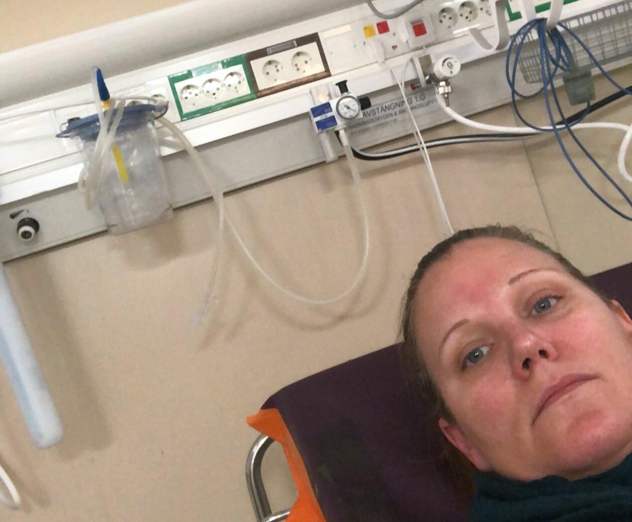 Anja L Sundberg inlagd på sjukhus.