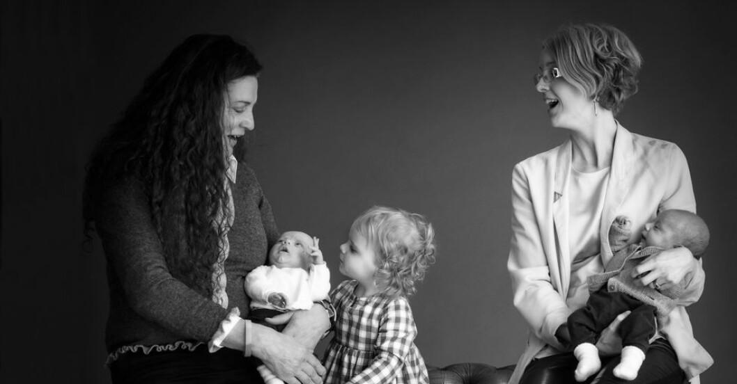 Anna-och-Debbie-Burston-med-barn