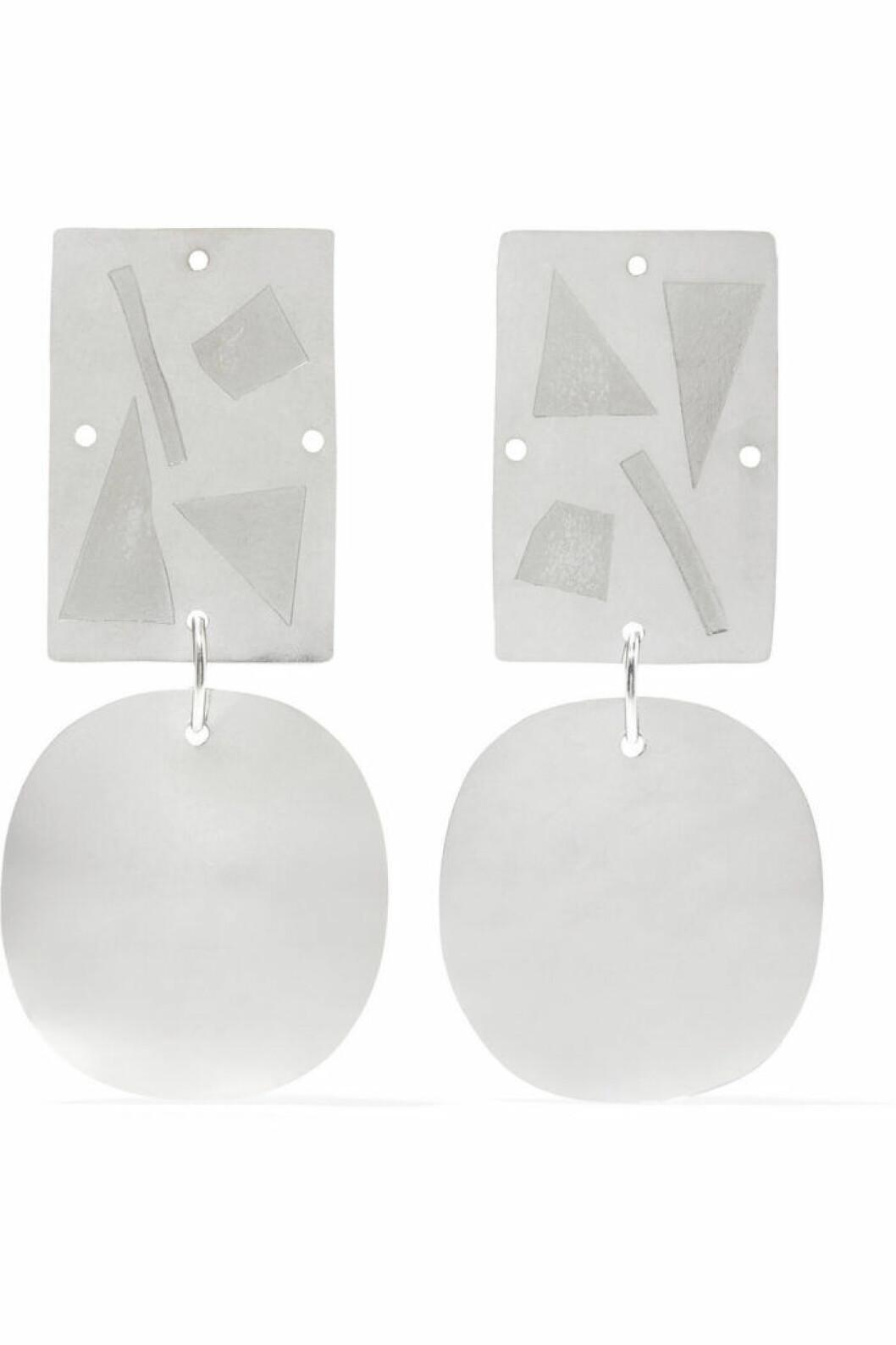 Silverörhängen med geometriskt mönster