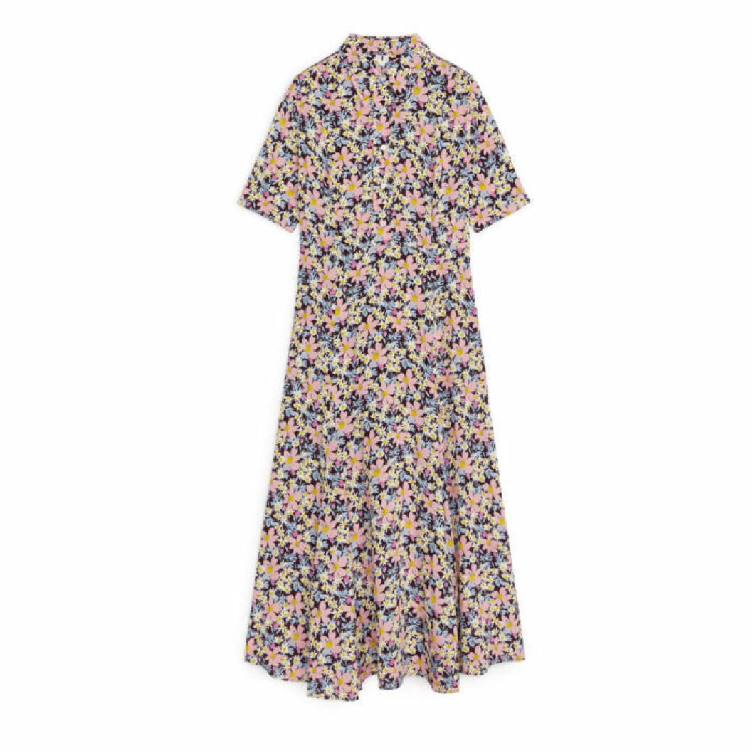 AREKT blommig klänning