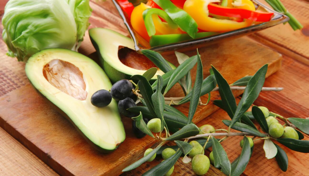 Avokado, oliver och paprika, som egentligen är frukter.