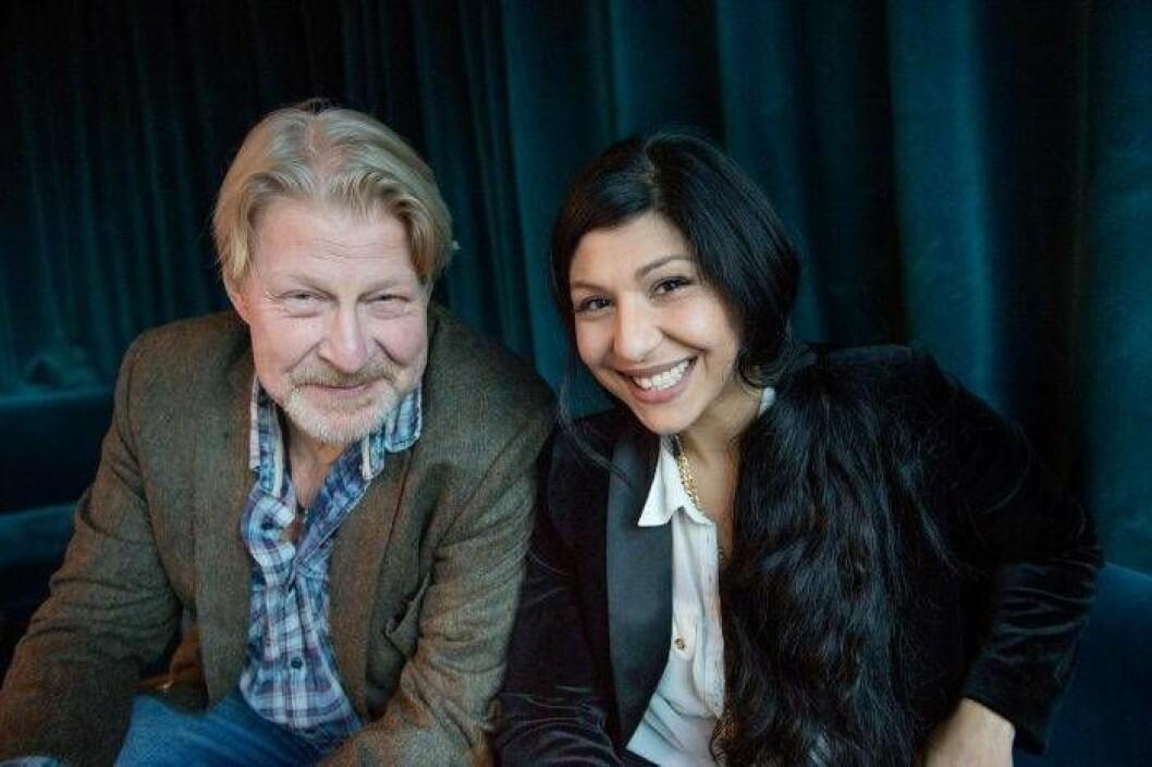 """Bahar Pars tillsammans med Rolf Lassgård som spelar titelrollen i """"En man som heter Ove""""."""