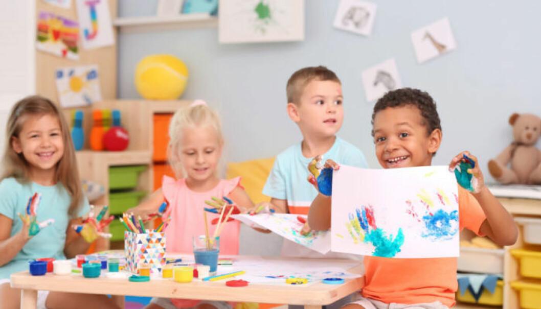 Barn som målat teckningar