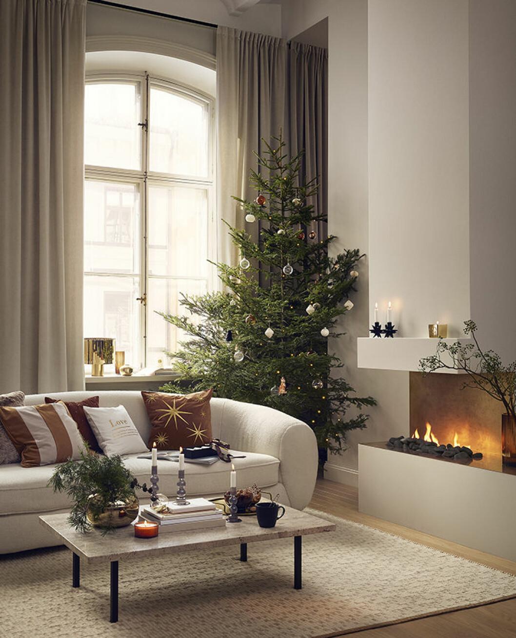 Bärnstenstoner passar till julen - här hos H&M Home