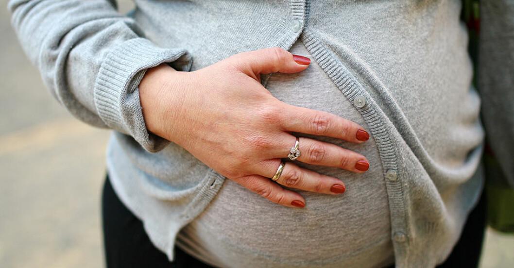 Blödning under graviditet och tecken på missfall.