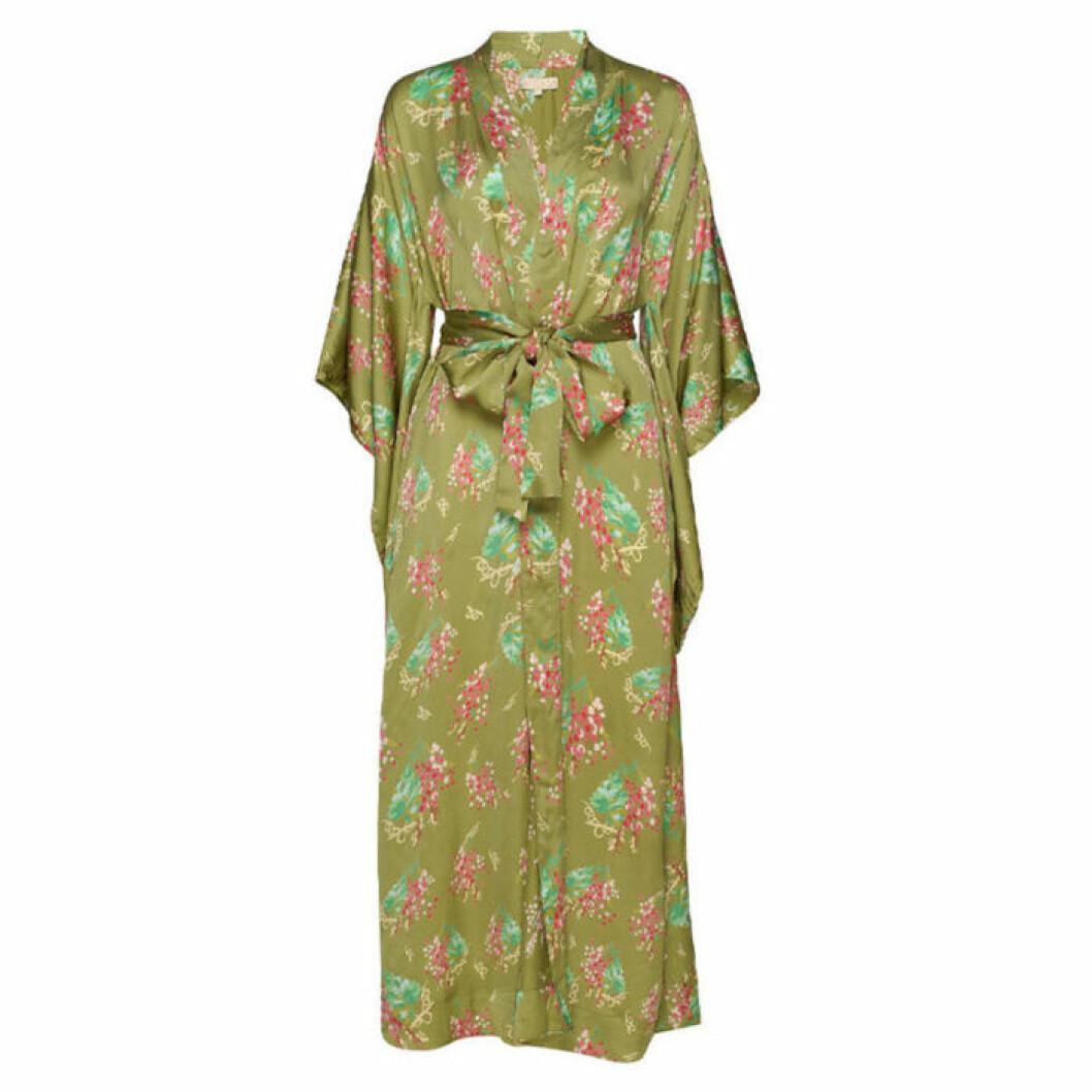 Grön lång kimono från byTimo