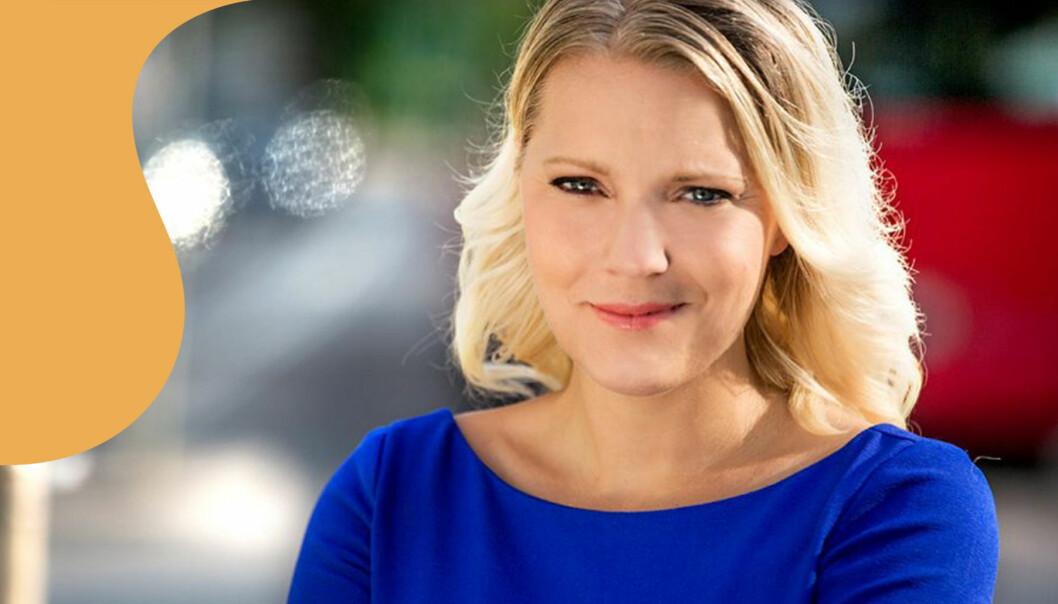Carina Bergfeldt I blå klänning