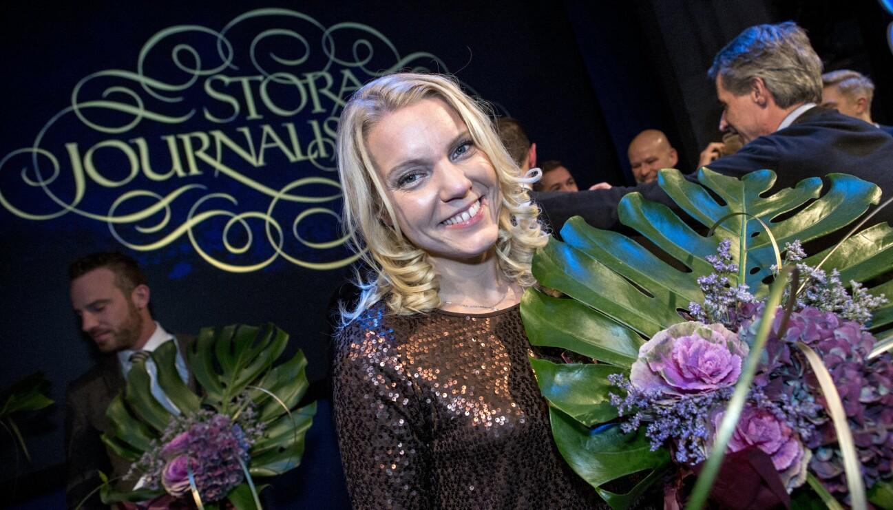 Carina Bergfeldt tilldelades priset som Årets Berättare vid utdelningen av Stora Journalistpriset på Operaterassen i Stockholm.