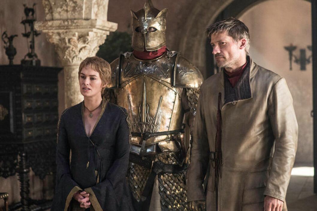 En bild på karaktärerna Cersei Lannister, Jaime Lannister och The Mountain från tv-serien Game of Thrones.