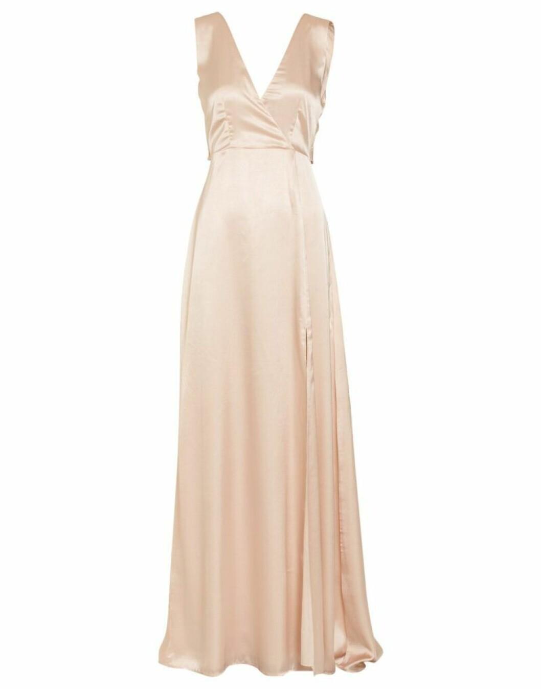 Champagnefärgad klänning