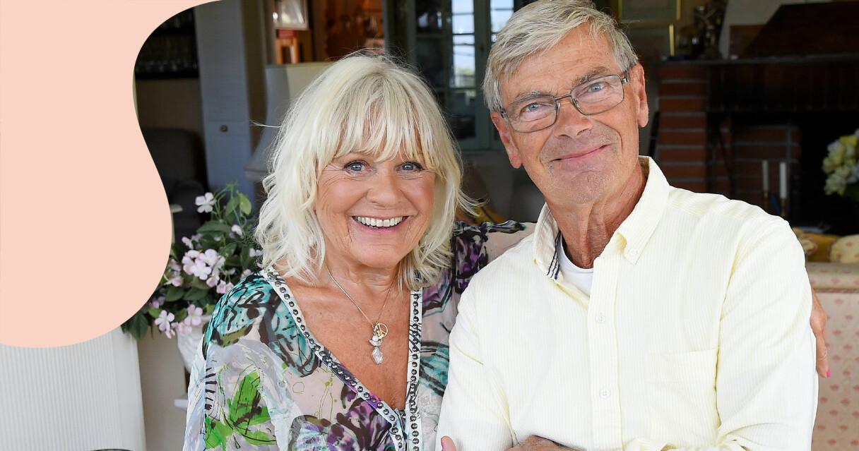 Christina Schollin och Hans Wahlgren fotograferade i sitt hem i Värmdö 2018.