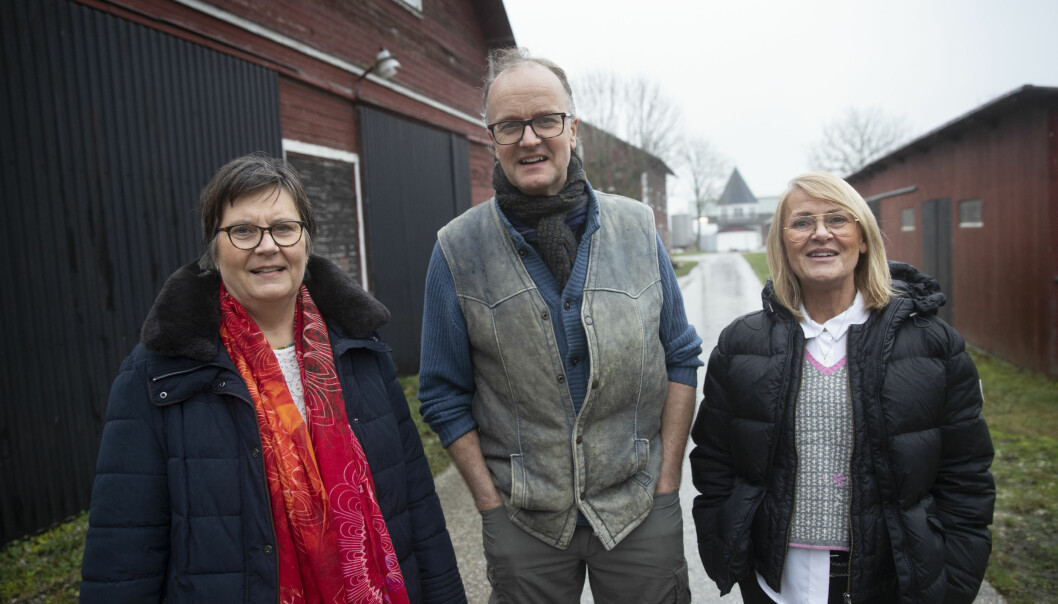 Inger, Patrik och Ann som lever tillsammans trots sin lite ovanliga familjekonstellation.