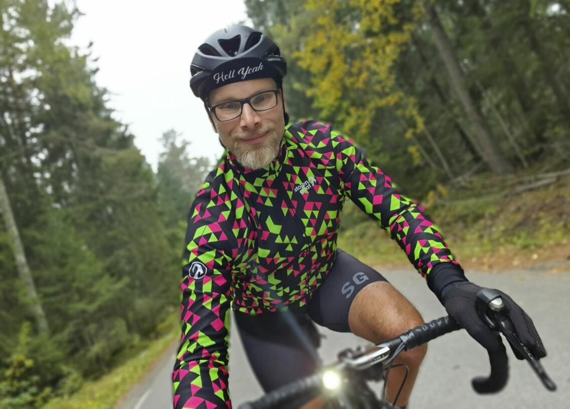 Cyklingen har gjort Ronny, som föddes med klumpfötter både stark, smal och sportig.