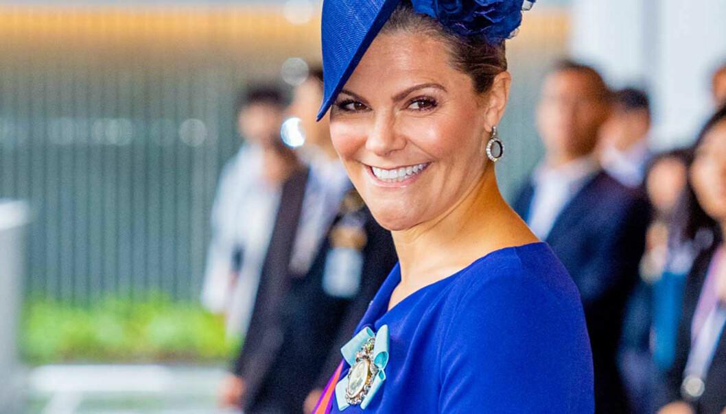 Därför bär kronprinsessan Victoria alltid blå kläder.