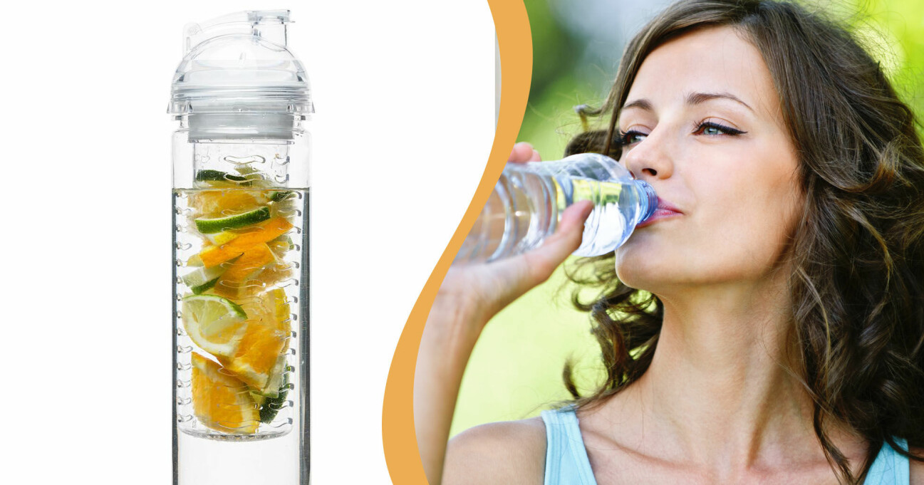 Kvinna dricker ur vattenflaska. En vattenflaska fylld med lime, apelsin.