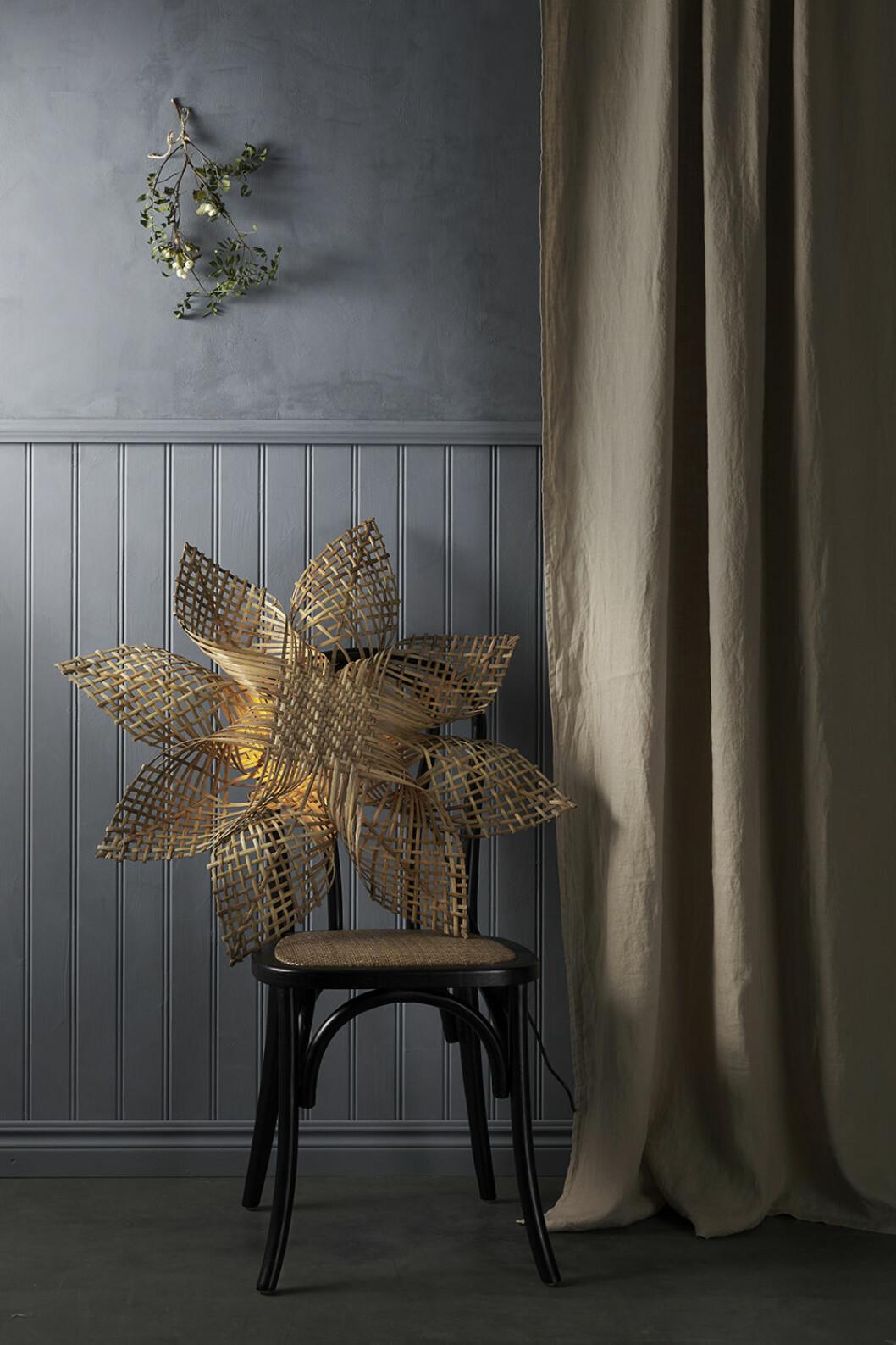 Traditionell adventsstjärna i flätad rotting från Ellos Home