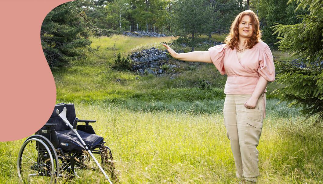 Emilie slapp sin rullstol och kan gå själv.