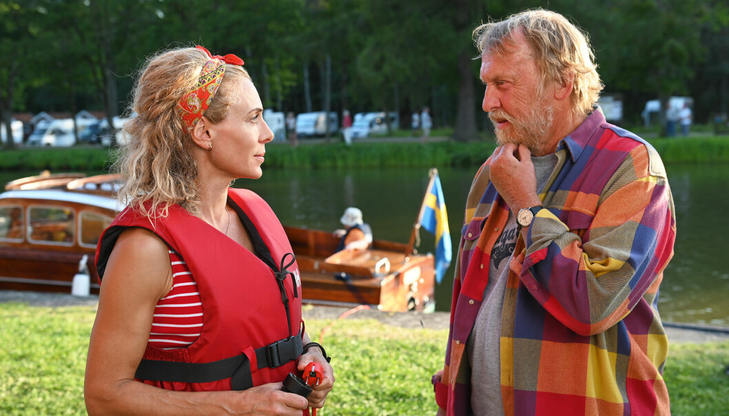 Skådespelarna Eva Röse och Tomas von Brömssen spelar två av huvudrollerna i Göta kanal 4.