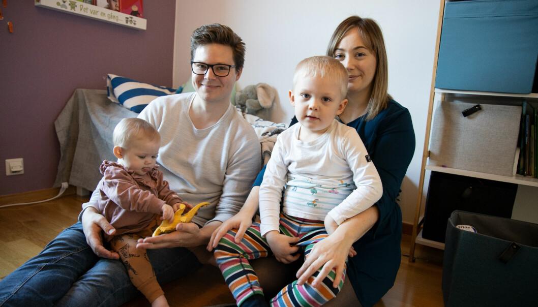 Familjen Ström i lägenheten hemma i Varberg: Alice, Simon, Melvin och Therese.