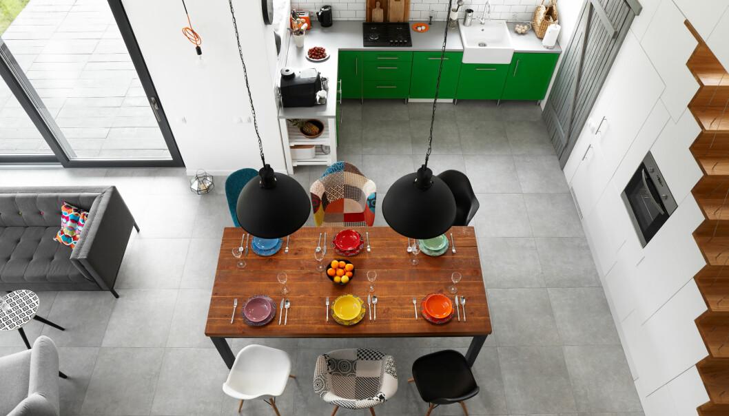 Färgglatt kök uppifrån.