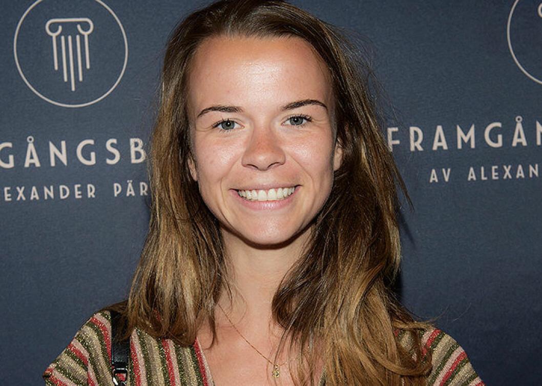 """Margaux är ett franskt flicknamn som betyder """"pärla"""", en variant på det svenska namnet Margot"""
