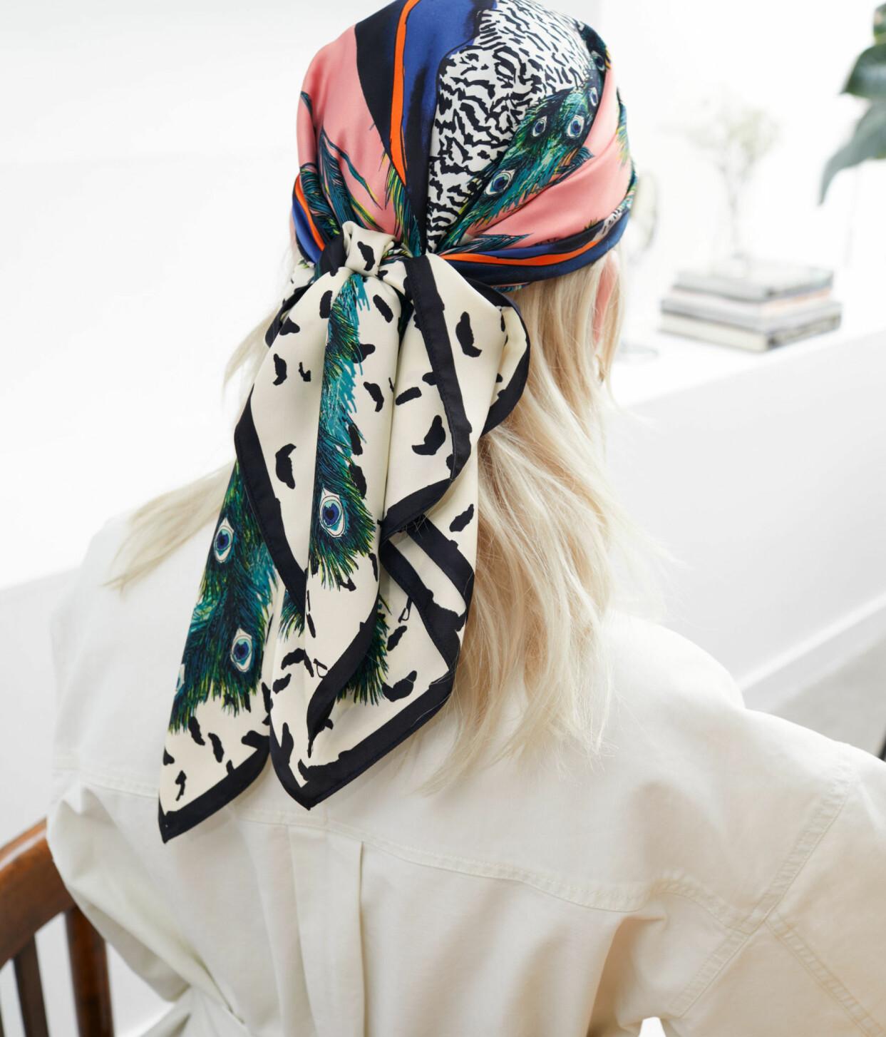 Fyrkantig scarf med påfågel-print, från & Other Stories