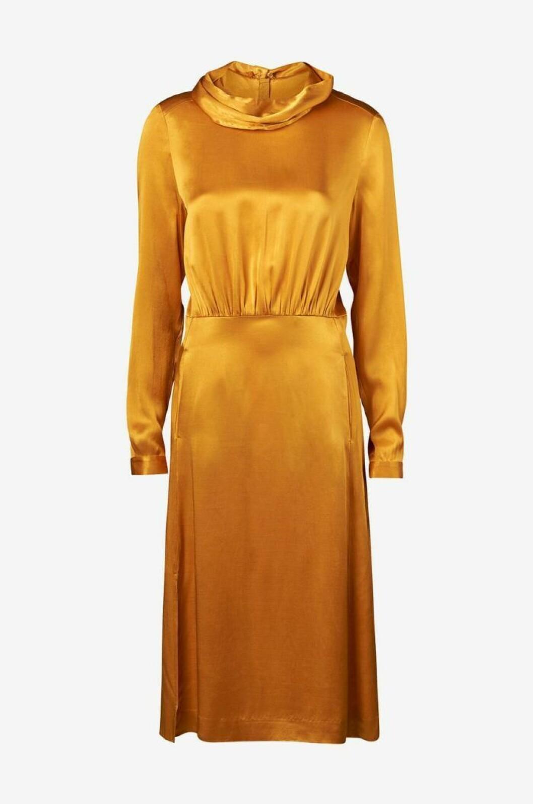 Guldig klänning