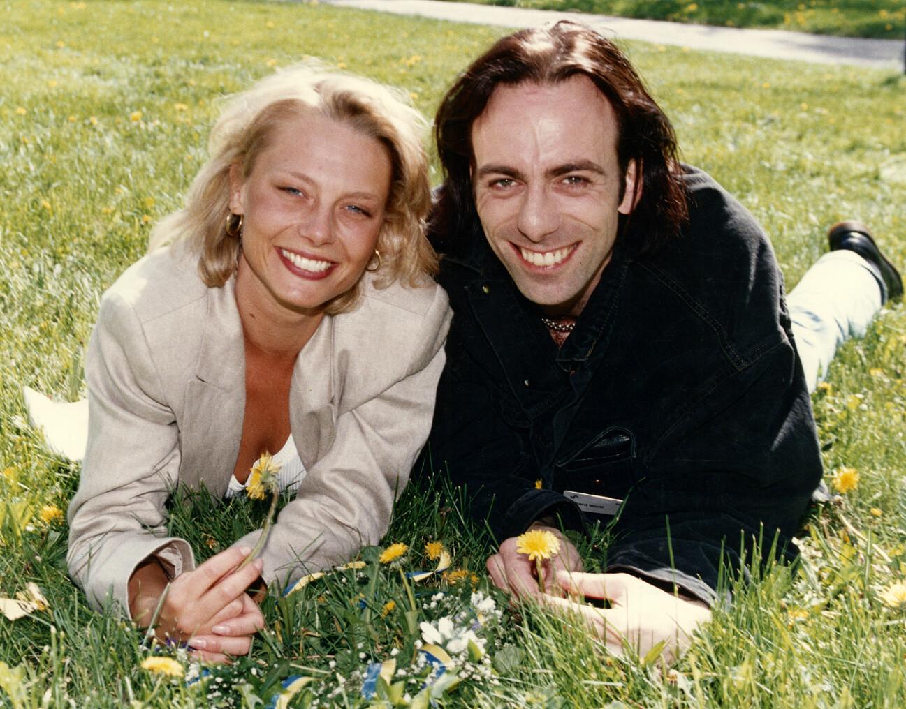 Helena Bergström och Rikard Wolff i den kritikerrosade filmen Änglagård som hade premiär 1992.