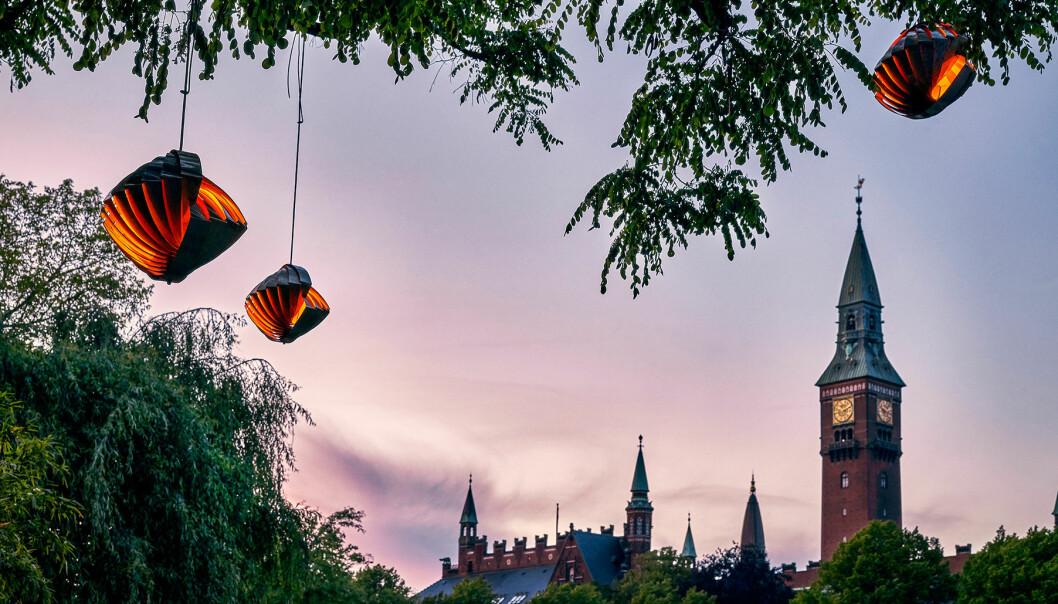 Louis Weisdorfs lampa Konkylie på Tivoli i Köpenhamn