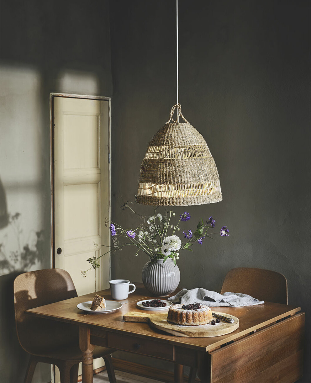 Lampa i naturmaterial från Ikea