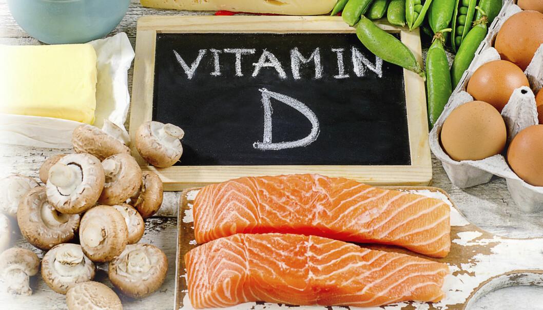 """D-vitaminrik mat ligger på ett bord. I bakgrunden syns en skylt med texten """"Vitamin D"""""""