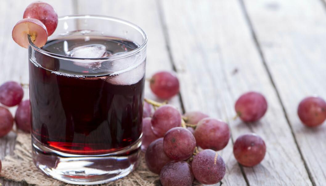 Druvjuice och röda vindruvor