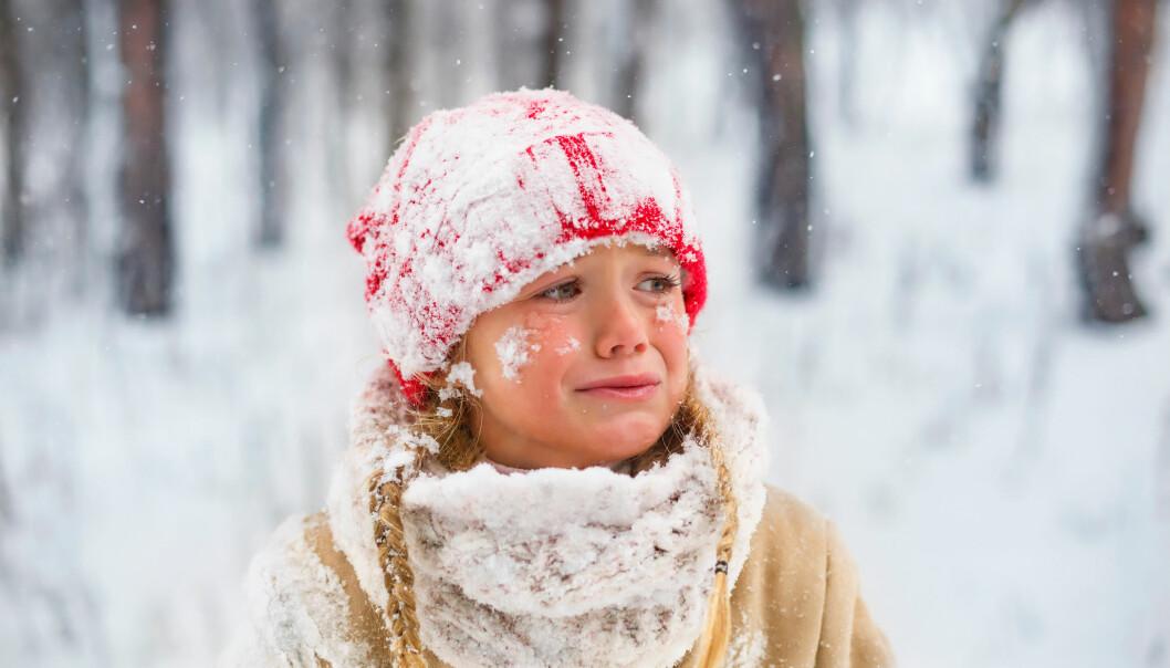 Liten flicka får inte fira jul – ser ledsen ut