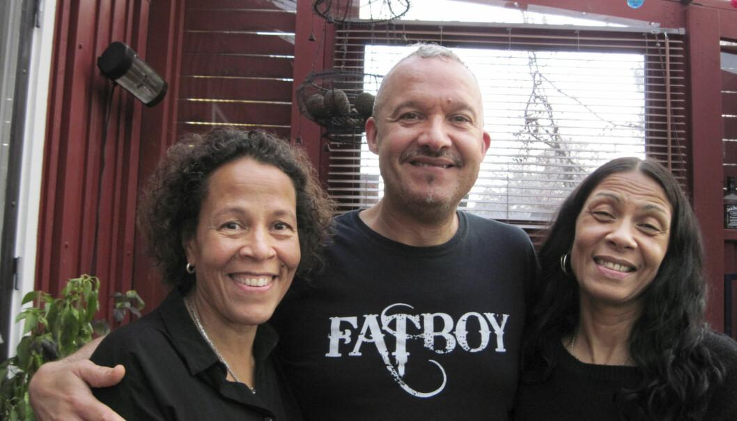 Sathima med halvsyskonen Marcus och Pernilla.