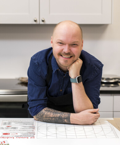 Fredrik Nylén driver bakbloggen Fredriks fika hos allas.se.