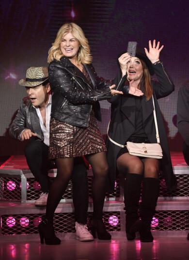Pernilla Wahlgren och Kim Sulocki och Hanna Hedlund i showen Kort, glad och tacksam.