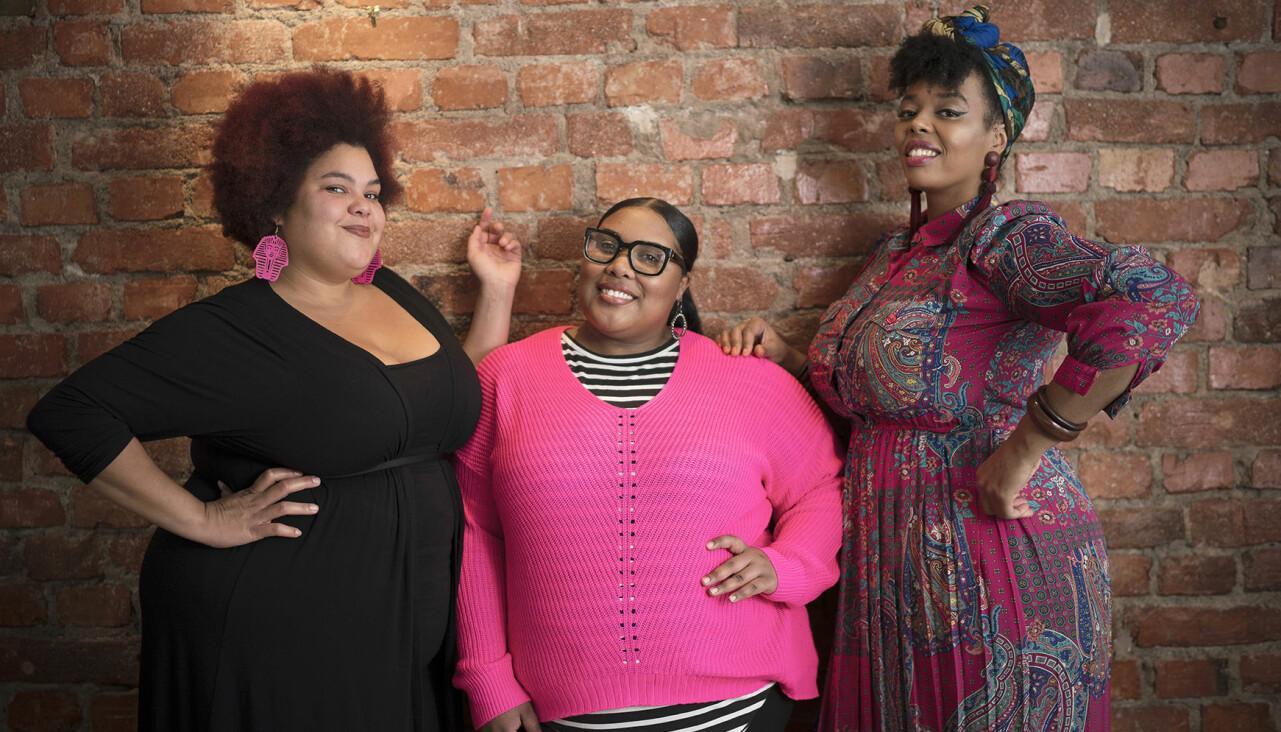Loulou Lamotte, Ash Haynes och Dinah Yonas Manna är högaktuella med The mamas.