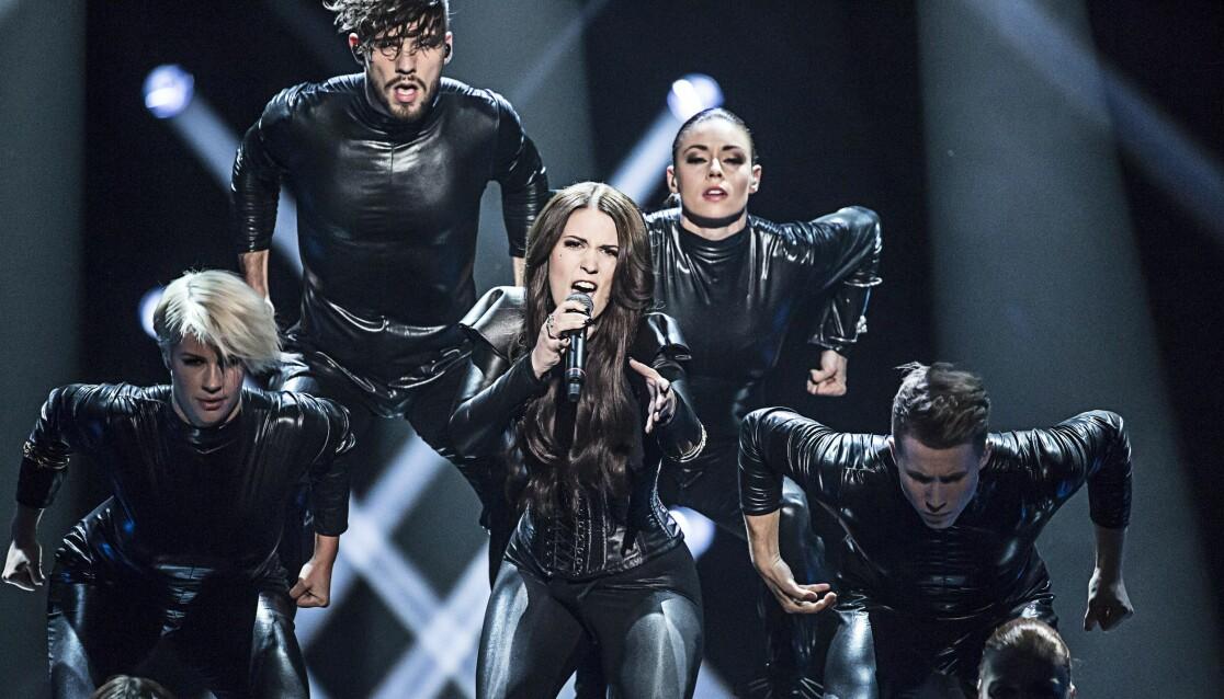 Ellen Benediktson deltar i Melodifestivalen 2020 tillsammans med Simon Peyron.
