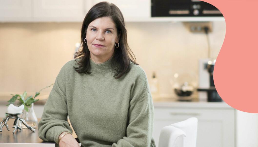 Porträtt av Camilla Jonsson vars man gick bort i bröstcancer.