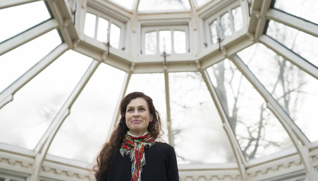 Porträtt av en leende Johanna Hildebrand som är lycklig över att kärleken vann över rädslan.