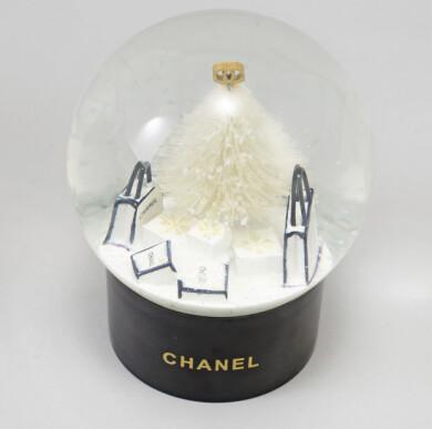Snöglob från Chanel från 2012/13.